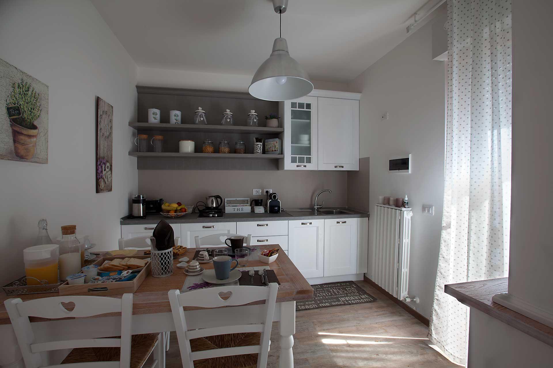 SiroloMyHouseB&B-cucina